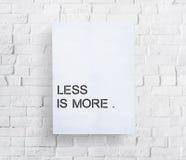 Menos é um conceito mais mínimo da simplicidade da facilidade da simplicidade imagens de stock royalty free
