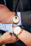 Mens & κυρίες wristwatches στοκ φωτογραφίες με δικαίωμα ελεύθερης χρήσης