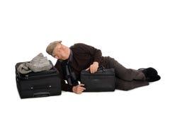 Mens in afwachting van het landen van het vliegtuig Stock Foto's