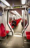 Mens binnen Nederlandse metro royalty-vrije stock fotografie