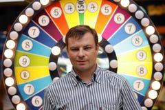 Mens in casino royalty-vrije stock afbeeldingen