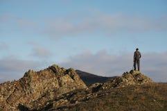 Mens in de berg Royalty-vrije Stock Fotografie