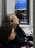 Mens in de trein Stock Afbeelding