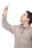 Mens die beelden met zijn cellphone neemt royalty-vrije stock afbeelding