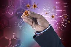 Mens die 3d virus met molecules tonen Stock Illustratie