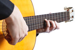 Mens die de gitaar speelt Royalty-vrije Stock Foto's
