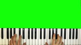 Mens die de Synthesizer spelen stock videobeelden