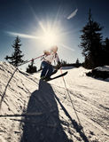 Mens die extreme ski uitoefenen Stock Afbeelding