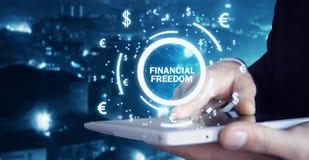 Mens die financiële vrijheidsteksten houden royalty-vrije stock afbeelding