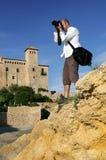 Mens die foto van landschap neemt Royalty-vrije Stock Fotografie