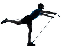 Mens die gymstick de houding van de traininggeschiktheid uitoefent Stock Fotografie