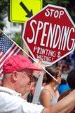 Mens die op 4 Juli tegen het verspillen van mo protesteert Royalty-vrije Stock Foto