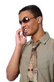 Mens die op de Telefoon van de Cel spreekt Stock Afbeeldingen