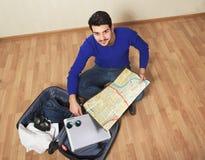 Mens die op overzeese vakantie gaan Royalty-vrije Stock Fotografie
