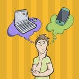 Mens die tussen een laptop computer of een mobiele telefoon kiezen Royalty-vrije Stock Afbeelding