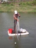 Mens die vissen Royalty-vrije Stock Foto's