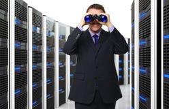 Mens en datacenter Stock Afbeelding