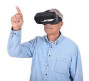 Mens en Virtuele Werkelijkheidsbeschermende brillen Royalty-vrije Stock Afbeeldingen
