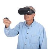 Mens en Virtuele Werkelijkheidsbeschermende brillen Stock Foto's