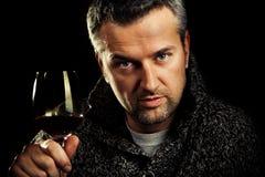 Mens en wijn royalty-vrije stock foto's