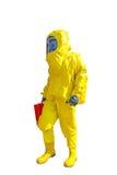 Mens in geel beschermend die hazmatkostuum op wit wordt geïsoleerd stock foto