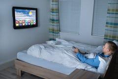 slaapkamer met een televisie hd stock foto's  afbeelding, Meubels Ideeën