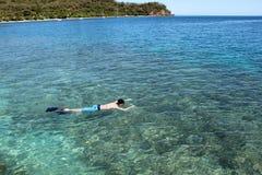 Mens het snorkelen Stock Fotografie