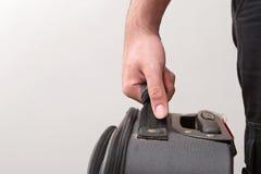Mens Klaar voor het Reizen met Zijn Bagage Stock Afbeelding