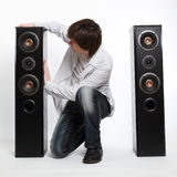 Mens met audiosysteem. Stock Foto's