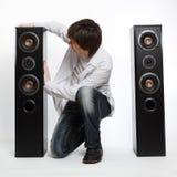 Mens met audiosysteem. Stock Foto's