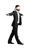 Mens met de blinddoek Stock Afbeeldingen