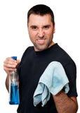Mens met gekke doek omdat hij het huis moet schoonmaken Stock Fotografie