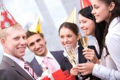 Mens met giftboxes Royalty-vrije Stock Afbeelding