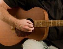 Mens met gitaar Stock Afbeeldingen