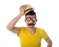 Mens met grappige masker en hoed royalty-vrije stock afbeeldingen