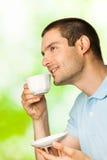 Mens met koffie Royalty-vrije Stock Fotografie