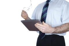 Mens met moderne mobiele computer Stock Afbeeldingen