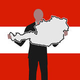 Mens met Oostenrijk kaartteken Royalty-vrije Stock Afbeelding