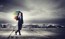 Mens met Paraplu Royalty-vrije Stock Afbeeldingen