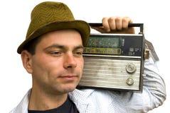 Mens met retro radio Stock Afbeelding