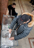 Mens met stemming-doos Stock Foto