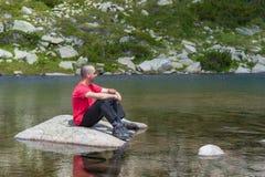 Mens op Berg Pirin Stock Foto