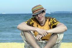 Mens op het strand Royalty-vrije Stock Afbeeldingen