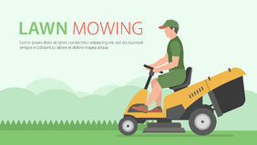 Mens op tractorgrasmaaier royalty-vrije illustratie
