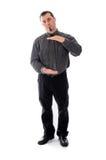 Mens in overhemd en band de handen van de productplaatsing Stock Foto's