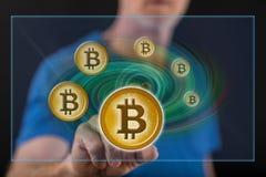 Mens wat betreft een concept van de bitcoinmunt royalty-vrije stock foto's