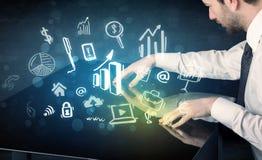 Mens wat betreft technologie slimme lijst met bedrijfspictogrammen Royalty-vrije Stock Afbeelding