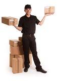 Mensageiro que entrega caixas Fotos de Stock