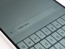 Mensagem de texto do telefone celular fotografia de stock