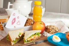 Mensagem do amor com almoço Fotografia de Stock Royalty Free